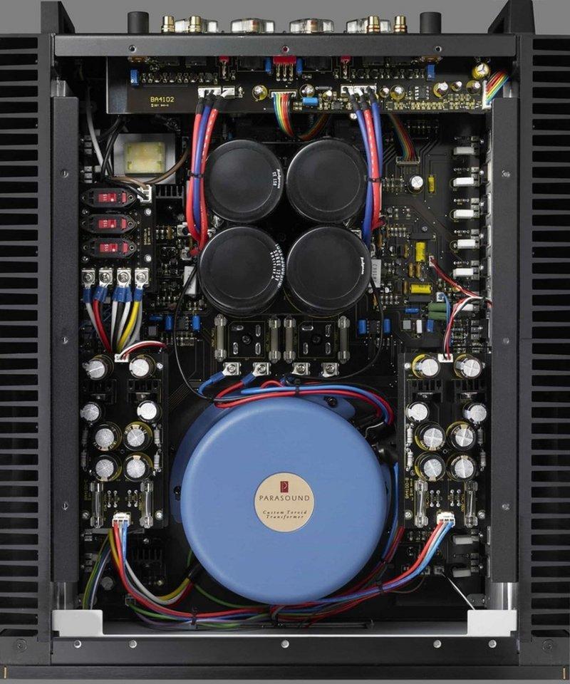 parasound_jc5_amplifier_interior1_tvgn.jpg